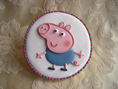 """Biscotti Peppa Pig """"George"""" Valentine's Day Sugar Cookies, Pig Cookies, Galletas Cookies, Peppa Pig Cookie, Peppa Pig Birthday Cake, Peppa Pug, Fondant Baby Shoes, Iced Biscuits, Pig Party"""