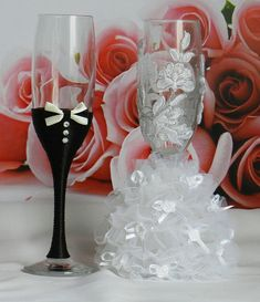 Make your wedding unforgettable with these lovely unique wedding glasses! Personalized handmade wedding glasses ( with ivory or white lace) , will be perfect for your wedding or an unique wedding gift.  If you want to change the colors, please let me know. If you have specific ideas for making your wedding unique, but you can not find anything like it before - let me know and we can make it happen together.  All accessories are carefully packed for dispatch. Please note delivery time (10-14…