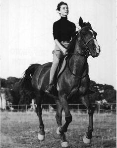 audrey-hepburn-cheval.jpg