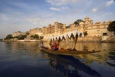 Famed as the 'Venice of the East', a visit to Udaipur is incomplete without taking a boat ride in one of the most beautiful Lake Pichola. The boat ride is an hour long journey that leaves you spellbound with serene blue waters, magnificent palaces and lush green mountains. As you sail across the lake catch glimpses of the City Palace complex, the picturesque ghats, Sajjangarh palace and Bagore ki Haveli, all displaying a marvelous architecture.