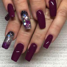 Acrylic Nail Designs For Fall and Winter Maroon Nails, Burgundy Nails, Purple Nails, Deep Burgundy, Gorgeous Nails, Love Nails, Fun Nails, Pretty Nails, Fall Acrylic Nails