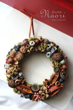 Gumnuts also look awesome. would make a great gift for family! Aussie Christmas, Australian Christmas, Christmas Tree Farm, Christmas Art, All Things Christmas, Christmas Themes, Christmas Ornaments, Christmas Night, Christmas Decorations Australian