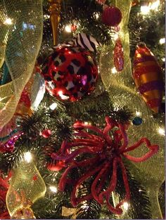 A decorated #Christmas tree with #poly #mesh