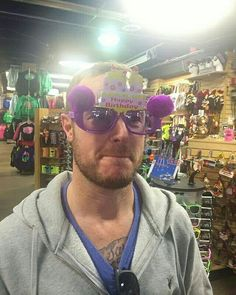 Kinda looks like Will Champion from Coldplay in this picture, but it's Eddie Fisher :3