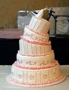 Schräg... Braut verhindert dem Bräutigam am Wegrennen