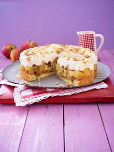 Noch besser als Äpfel im Kuchen: Gebratene Äpfel im Kuchen - mit Zimt und Zucker verfeinert. So wie wir es aus der Weihnachtsbäckerei