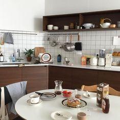 Home Interior, Interior Design Kitchen, Kitchen Decor, Cute Little Houses, Interior Concept, Wood Interiors, House Rooms, Interior Inspiration, Designer