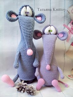 Crochet pattern rat or mouse - crochet mouse pattern - pattern cover the champagne mouse - crochet amigurumi mouse toy - handmade mouse Crochet Doll Pattern, Crochet Toys Patterns, Crochet Dolls, Doll Patterns, Crochet Mouse, Knit Or Crochet, Crochet Gifts, Crochet Numbers, Craft Accessories