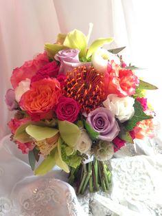 Bright tropical feeling bridal bouquet