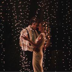 Uma noite mágica e cheia de amor! Amanhã é sexta, já planeje um final de semana inesquecivel com o seu amor! ❤️ Não deixe de conferir o blog para se inspirar!- 🇨🇦 Magical and full of love! Wish everyone's Friday be nothing but amazing! {: @serafin_castillo} #berriesandlove #inlove #onamorocomeçanocasamento #muitoamor #felizesparasempre