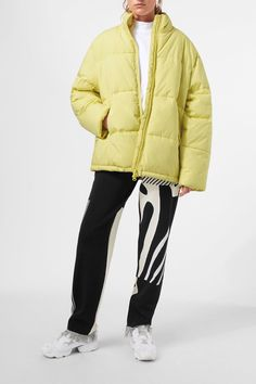 <p>The Earth Jacket is a cosy puffer jacket with a soft matte finish. It has a high neck, a double-sided zipper along the front, two zipped side pockets and Puffer Jackets, Winter Jackets, Hemline, It Is Finished, Style Inspiration, Zipper, Sleeves, Model, How To Wear