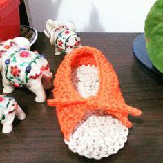 Sandalinhas de bebe em croche.
