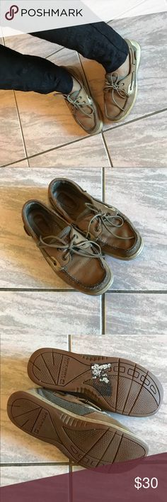 Classic Sperry Loafers Slightly worn Classic Sperry Loafers. Still a lot of life left in them! They're cute and comfy. Sperry Shoes Flats & Loafers