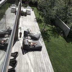 Norr11 designová zahradní křesla Storm Lounge ◼ Designpropaganda Railroad Tracks, Sidewalk, Public, Exterior, Photo And Video, Summer, Instagram, Design, Videos