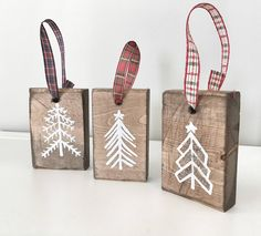 Set of 3 Rustic Wooden Christmas Trees, Xmas Wood Tree Decoration for Holiday Season, Christmas Holiday Gift and Present, Rustic Christmas - christmas dekoration Diy Christmas Tree Ornaments, White Christmas Trees, Christmas Tree Painting, Ribbon On Christmas Tree, Christmas Wood, Christmas Holiday, Ornaments Ideas, Christmas Stocking, Nordic Christmas