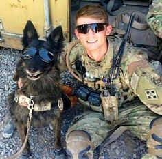 Military Working Dogs and Their Military Handlers Army Dogs, Police Dogs, Military Working Dogs, Military Dogs, Game Mode, Dog Soldiers, Soldiers Prayer, My Champion, Pit Bulls