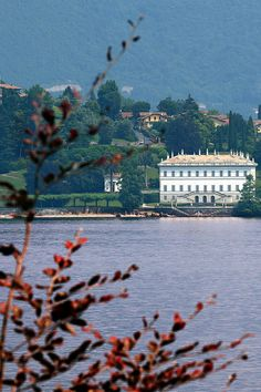 Como. Lake Como Lago di Como - Italy 4 nights in 3*** stars hotel in the city center, romantic dinner with beautiful view of the lake and more surprises for your stay on www.tourismando.it ask for our offers!!!