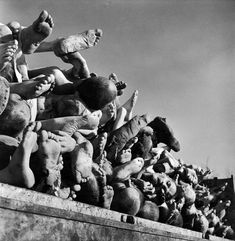 Not published in LIFE. The dead at Buchenwald, piled high outside the camp's incinerator plant, April Margaret Bourke-White World History, World War Ii, History Pics, Ww2 History, Jewish History, European History, Military History, Buchenwald Concentration Camp, Otto Von Bismarck