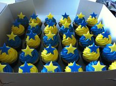 blue cupcakes | Blue and Yellow Star Cupcakes | Flickr - Photo Sharing!