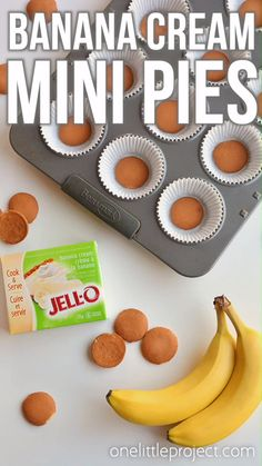 These mini banana cream pies are SO EASY to make and they taste so good! This is such an awesome family friendly dessert recipe! With only a few simple ingredients, they're rich, creamy and delicious! Make Ahead Desserts, Great Desserts, Best Dessert Recipes, Delicious Desserts, Sweets Recipes, Dessert Ideas, Dinner Recipes, Tolle Desserts, Köstliche Desserts