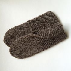 https://flic.kr/p/u1rhvj | Hand knit brown wool slippers | Available at my etsy shop: www.etsy.com/shop/PoemsAboutMe