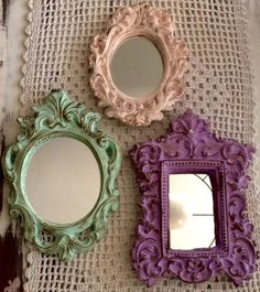 set de 3 espejos simil antiguos marco de yeso patinado Mirror Photo Frames, Picture Frame Decor, Wall Mirror, Mirror Painting, Painting Frames, Old Frames, Frames On Wall, Wall Decor, Room Decor