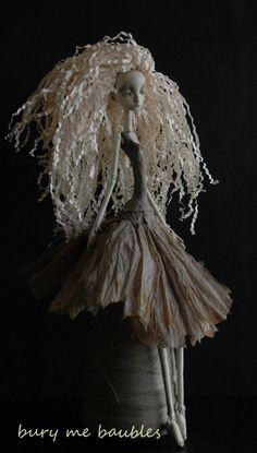 Reserved...Y yarls Yun...OOAK Paperclay Art Doll por burymebaubles