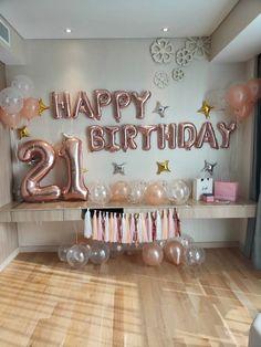 21st Birthday Themes, 21st Bday Ideas, Birthday Goals, Gold Birthday Party, Birthday Party For Teens, 18th Birthday Party, 21st Birthday Gifts, 21 Birthday Balloons, Simple Birthday Surprise