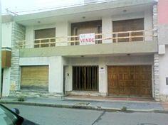 Foto Linda y amplia casa en el Centro de Río Cuarto...