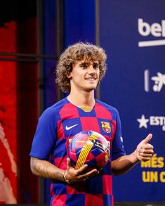 Football News, Results & Transfers Fc Barcelona, Barcelona Football, Antoine Griezmann, Camp Nou, Football And Basketball, Football Players, Neymar, Messi, France National Team