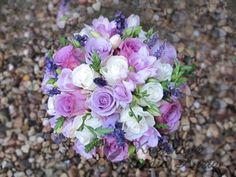 Svatební kytice s levandulí