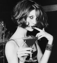 love her hair color and style! Foto Glamour, Guess Girl, Ellen Von Unwerth, Corte Y Color, Mi Long, Her Hair, Hair Inspiration, Fashion Inspiration, Curly Hair Styles