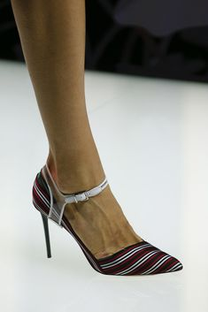 Giorgio Armani Spring 2016 Ready-to-Wear Accessories Photos - Vogue Giorgio Armani, Emporio Armani, Wedge Boots, Heeled Boots, Shoe Boots, Zapatos Shoes, Shoes Sandals, Cute Shoes, Me Too Shoes