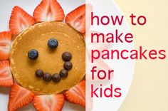 Want to make weekend breakfast extra cute? See how to make pancakes for kids! #FoodWithFaces