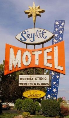 Sky-Lit Motel vintage neon sign #boulderinn