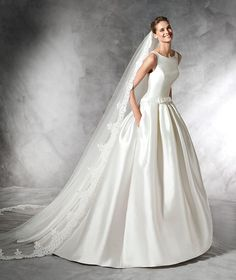 Pronovias Barraza is a Princess bridal dress with bateau neckline and low waist in mikado. Bias detail with bow at the waist for a belt effect. Princess Style Wedding Dresses, Chic Wedding Dresses, Wedding Dress Styles, Bridal Dresses, Wedding Gowns, Princess Bridal, Bridesmaid Dresses, 2017 Wedding, Prom Dresses