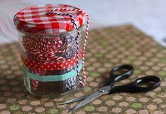 DIY : dévidoir à ficelle avec un pot de confiture Coin Couture, Pots, Coca Cola, Recycling, Diy, Crafts, Inspiration, Ranger, Wedding