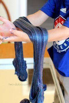 Fabriquez vous-mêmes cette incroyable glue galactique avec les enfants! - Bricolages - Trucs et Bricolages