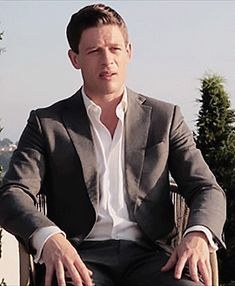 James Norton talks about McMafia and Systema Sidney Chambers, James Norton, No One Loves Me, Hot Flashes, Beautiful Men, Club, Amazing, Cute Guys, Hot Boys