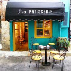 Pim Patisserie Karakoy, Lübnan ve Antakya mutfağı ağırlıklı menüsü ve fırından yeni çıkmış pastaları ile meraklılarını bekliyor.