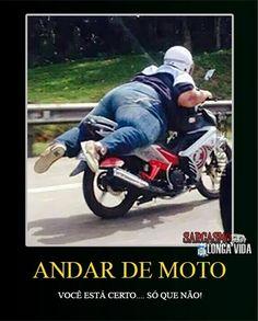 Bom dia! Godinho estabanado na moto... não vai prestar! rs Acesse o link e leia a opinião do poster sobre a périol... rs http://sarcasmolongavida.blogspot.com/2014/06/gordinho-estabanado-andando-de-moto.html #Bomdia #humor #moto #tombo #queda #Boanoite #risco #descida #perna #motocicleta #gif #passeio #gifs #parada #desembarque #chão #capacete #estrada #rua #velocidade #humornegro #sarcasmo #longavida #freada #motoqueiro #sóquenão #sqn #sábado #descanso #fds #fimdesemana #folga #passeio