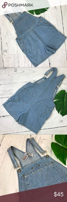 Bill Blass Jeans Vintage Short Overalls Size L Very good preowned condition,mid wash blue jean short overalls,bill blass Jeans,size Large,waist 19 inches inseam 5 inches Bill Blass Jeans Jeans Overalls