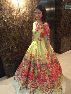 Syra Yousaf. Lol cool Pakistani dress!