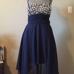 ONE HOUR SALE High low dress •very pretty •a little of both worlds; long and short dress •used one time •no rips •size 5/6 Dresses