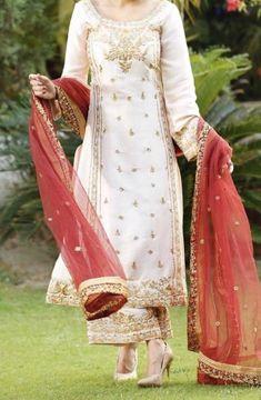Pakistani Formal Dresses, Pakistani Dress Design, Pakistani Outfits, Indian Party Wear, Indian Bridal Wear, Dress Indian Style, Indian Dresses, Palazzo, Indian Designer Suits