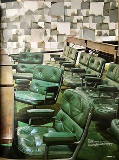 Green office chairs, green carpet. Oscar Niemeyer