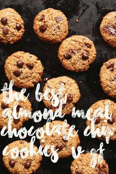 The best almond meal chocolate chip cookies made with 9 ingredients! Crispy on the outside, chewy on the inside, super chocolaty! A delicious vegan, gluten-free dessert! Chocolate Chip Cookies, Dark Chocolate Chips, Chocolate Lovers, Aquafaba, Vegan Sweets, Healthy Sweets, Almond Meal Cookies, Cookies Vegan, Healthy Cookies
