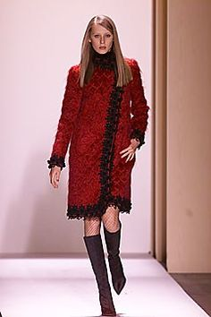 Oscar de la Renta Fall 2001 Ready-to-Wear Fashion Show Collection
