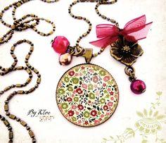 Collier sautoir médaillon cabochon • Liberty fleuri • vert rose rouge retro noeud perles verre