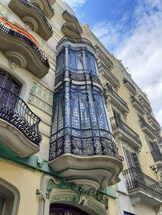 Gran de Gracia 15 Barcelona #architecture #barcelona #artnouveau #façade #balcony Barcelona Architecture, Burj Khalifa, Big Ben, Facade, Art Nouveau, Louvre, City, Building, Travel
